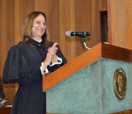 Profª Liedi, durante cerimônia de titulação de docentes, 22 fevereiro de 2018, EPUSP