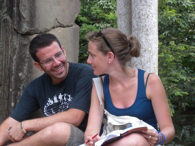 Henrique e Elena em viagem ao Camboja. [Imagem: Arquivo Pessoal]